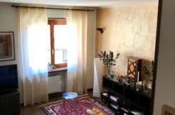 Trilocale in caratteristica casa a ringhiera in Borgo Palazzo