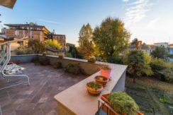 Importante appartamento con giardino in immobile d'epoca in Bergamo centro