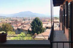 Trilocale ristrutturato in via Pignolo