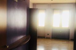 Bergamo centrale elegante ufficio.