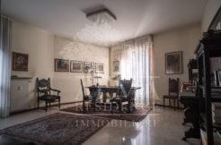 Bergamo-centralissimo-trilocale signorile
