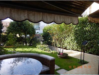 Appartamento in Villa in vendita in zona ospedale di Almè