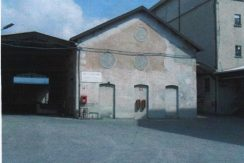 capannoni industriali di varie metrature ad Almè