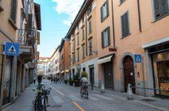 Bergamo-centrale-negozio