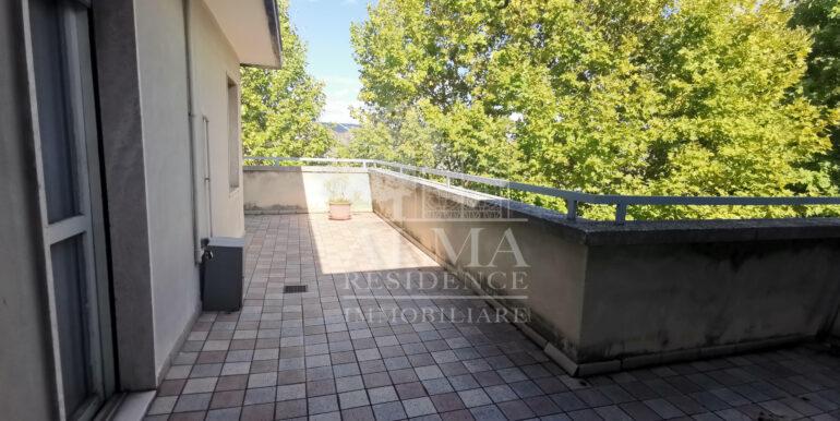 bilocale con terrazzo monterosso1