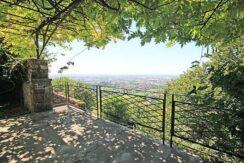 Bergamo, splendida villa d'epoca sui colli