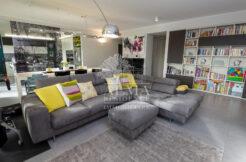 Bergamo, Mozzo - prestigioso appartamento in cascina ristrutturata