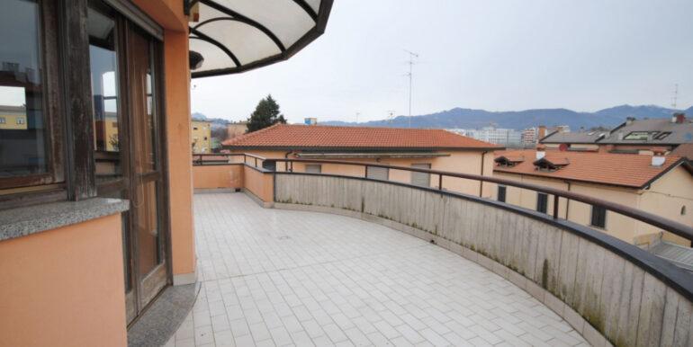 Bergamo Boccaleone - attico trilocale con terrazza
