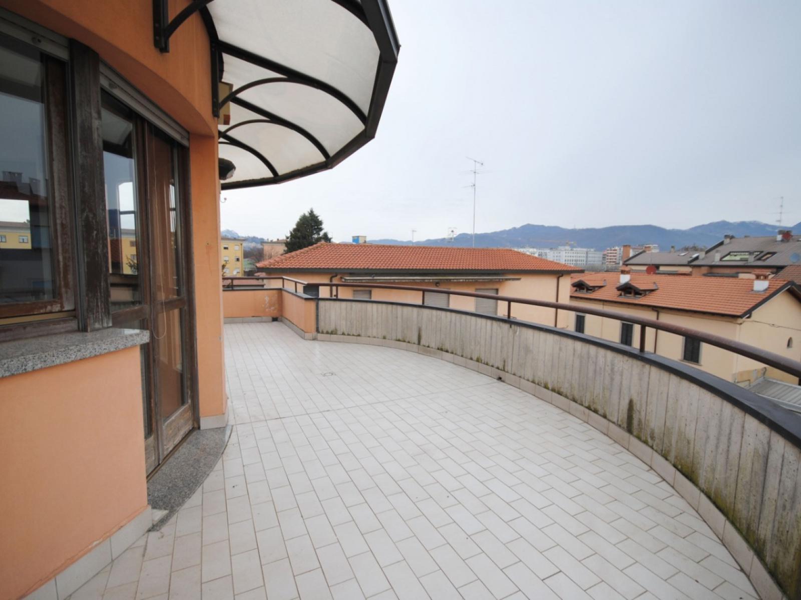 Bergamo Boccaleone – attico trilocale con terrazza